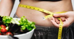 11 Amazing Ways to Stay Motivated to Lose Weight main