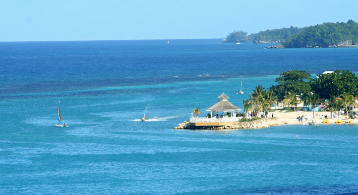 3 Reasons To Visit Jamaica in 2020 sea