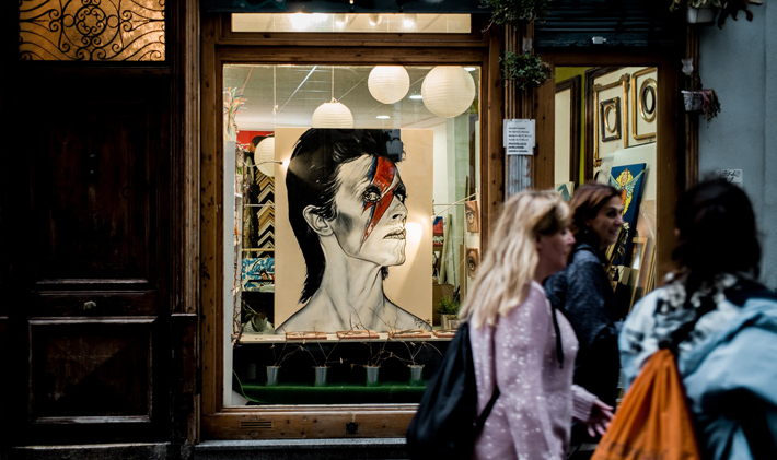 3 Strategies You Can Use to Entice Customers into Your Store window