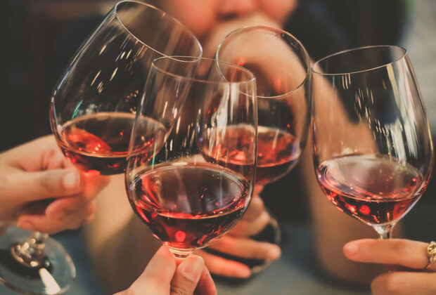 3 Tips to Help You Find the Right Bottle of Wine for Your Special Occasion main