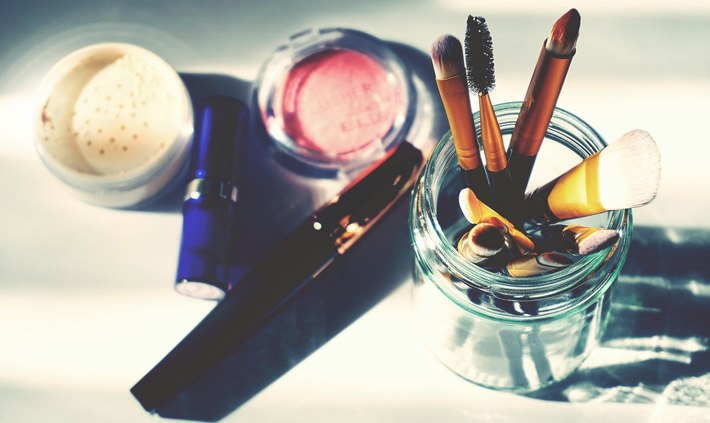5 Ingredients to Avoid When Buying Skincare Products makeup