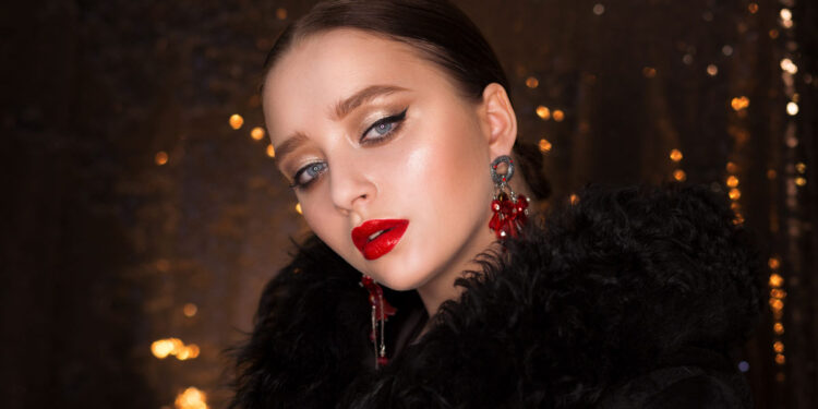 6 Festive Eye Makeup Looks main