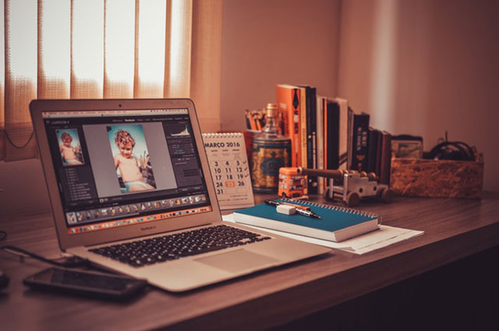 A Photographer's Basic Guide to Printing Premium-Quality Photos print printer photo-papers desk