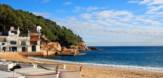 Best Dates to Book Your Spanish Summer Holiday beach