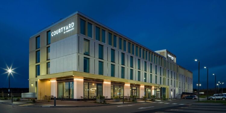 Courtyard by Marriott Inverness Airport 1
