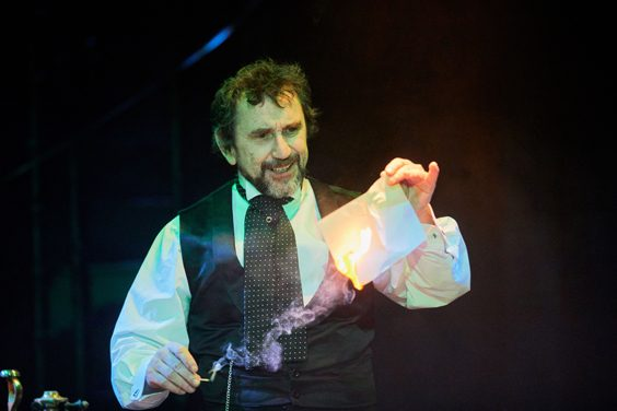 Dr Jekyll and Mr Hyde review bradford alhambra april 2018 phil daniels
