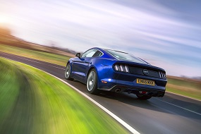 Ford Mustang 5.0 V8 GT Fastback rear