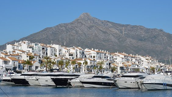 Guide to the Ultimate Stress-Free Marbella Hen Party puerto banus