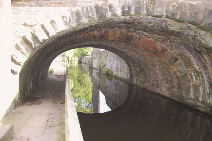 History of the history of Leeds-Liverpool Canal mill bridge