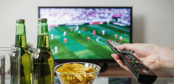 How Students Can Enjoy Quality TV Away from Home and on a Budget 3