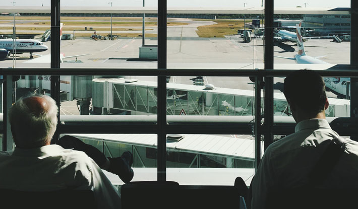 How Travellers Can Feel Happy and Occupy Themselves in Downtime airport