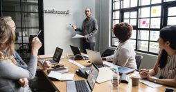 How to Create The Ultimate PR Package meeting