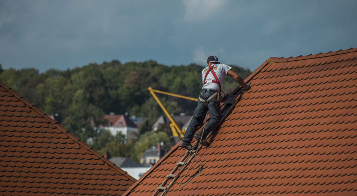 How to Find the Ideal Professional for Your Home Maintenance Needs roofer