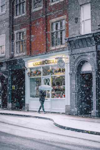 How to Prepare Your Business for the Run Up to Christmas snow