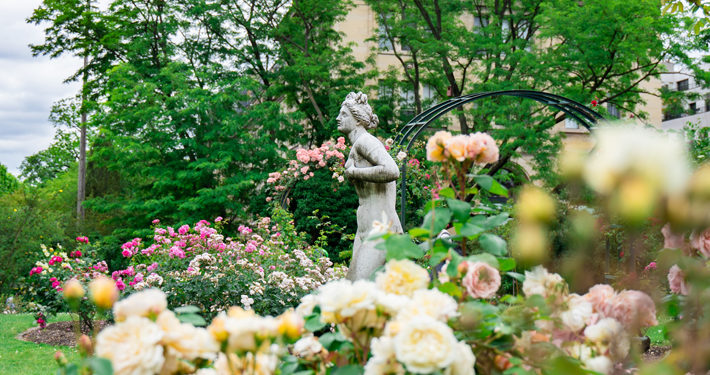 How to Use Sculptures to Improve Your Garden main