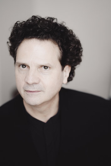 Interview with Classical Pianist, Andreas Haefliger portrait