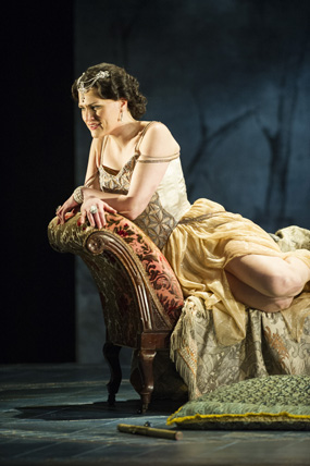La traviata leeds review