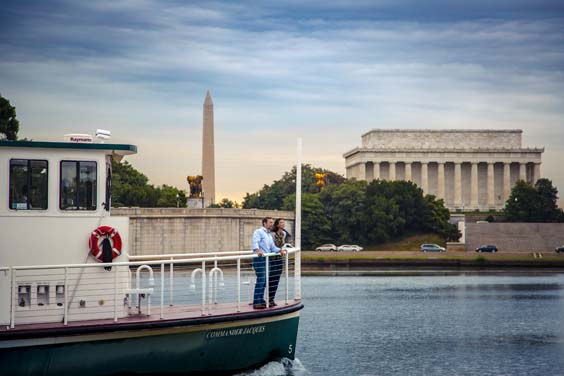 Maryland-Virginia-and-Washington-USA-Travel-Review Water_Taxi_to_DC K_Summerer_for_Visit_Alexandria