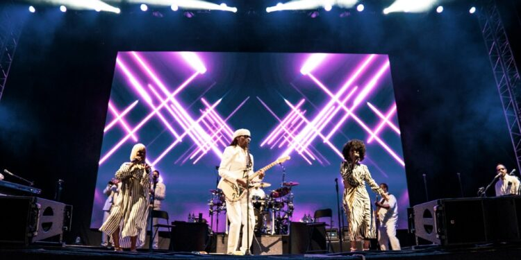 Nile Rodgers and CHIC FEAT - Scarborough OAT 6 (1)