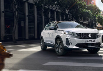 Peugeot 3008 PHEV Review main
