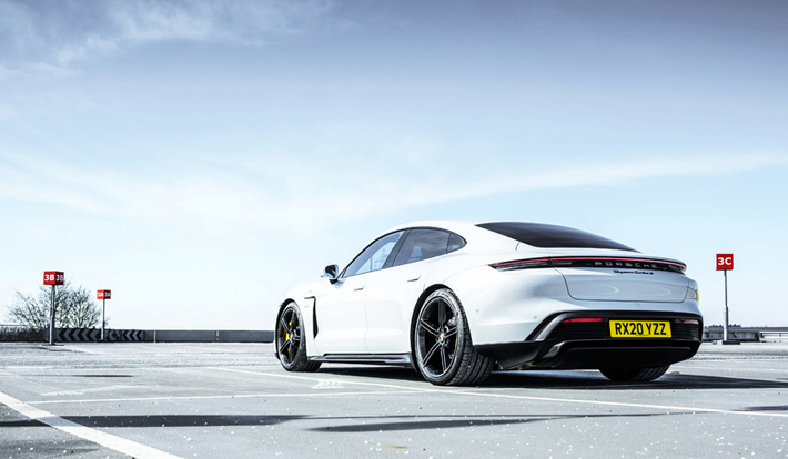 Porsche Taycan Turbo S – Review parked