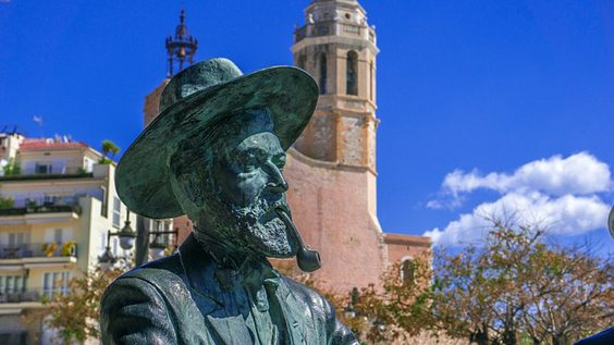 Savour the Beauty of the Catalonian Beach Town of Sitges statue