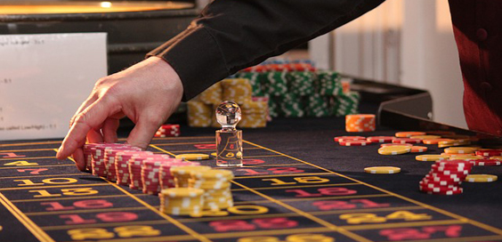 Should the Casinos of Leeds Seek to Modernise to keep up with their Online Counterparts main