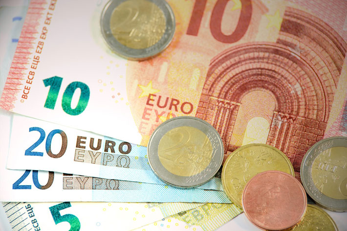 Tax Differences Between Spain and the United Kingdom euros