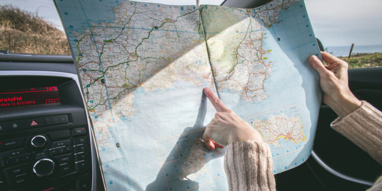 Things to Prepare When Taking a Long Road Trip mainThings to Prepare When Taking a Long Road Trip main