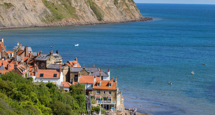 Top Holiday Destinations to Visit in the North of England for 2020 robin hood's bay