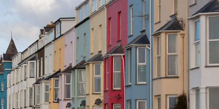Top Tips When Renting Your First Home main