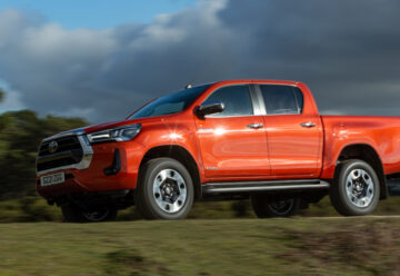 Toyota Hilux Invincible car Review main