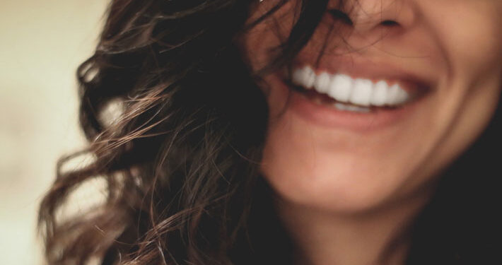 What Are the Benefits of Clear Braces for Adults main