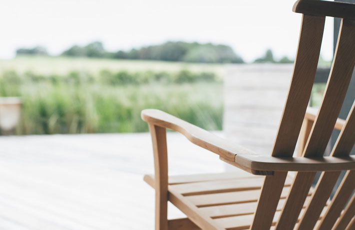 What is the Cost of Outfitting a Holiday Home chair