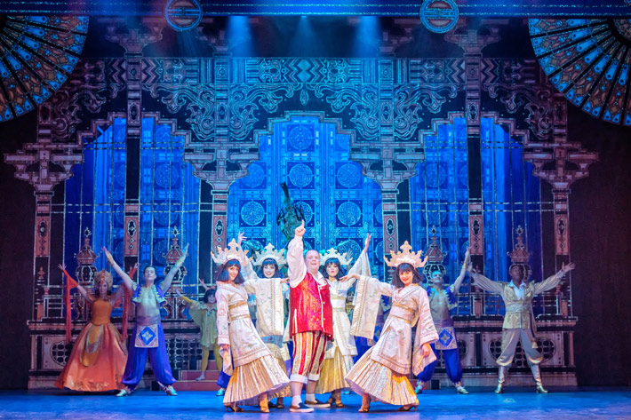 aladdin review hull new theatre december 2019 pantomime cast