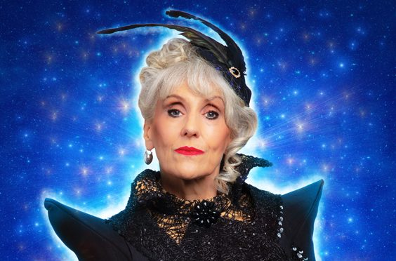 anita dobson interview hull panto