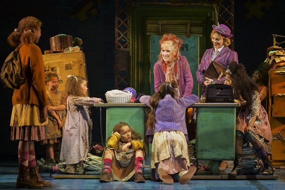 annie review hull new theatre march 2019 anita dobson
