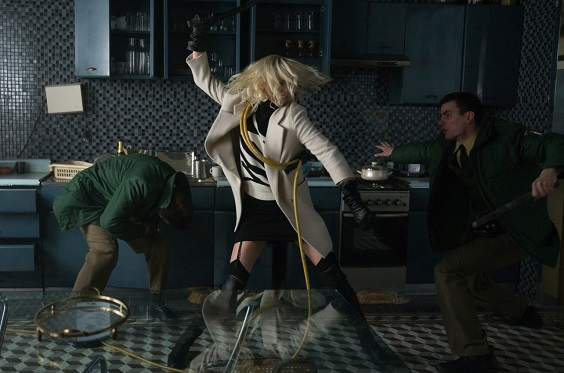 atomic blonde film review fight