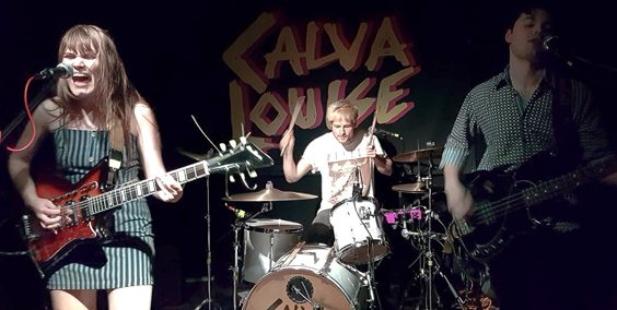 calva louise live review oporto leeds march 2019 stage