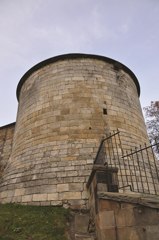 clifford's tower york castle history historical