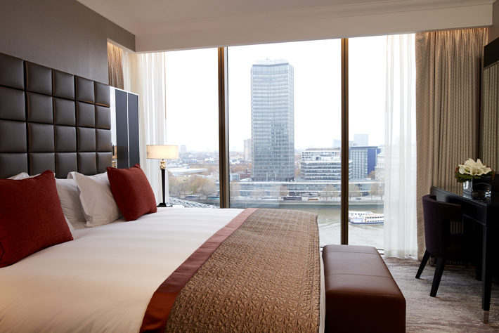 crowne plaza london albert embankment hotel review bedroom