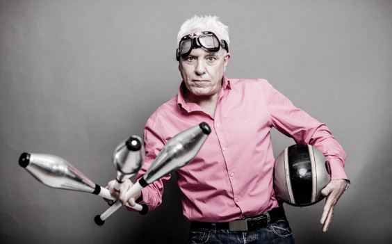 dave spikey interview comedian juggling