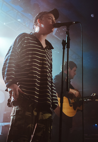 dma's live review leeds beckett university may 2018 singer