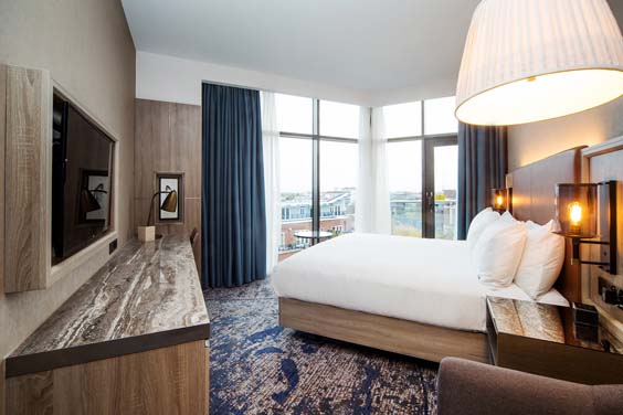 doubletree by hilton hotel london kingston upon thames review bedroom