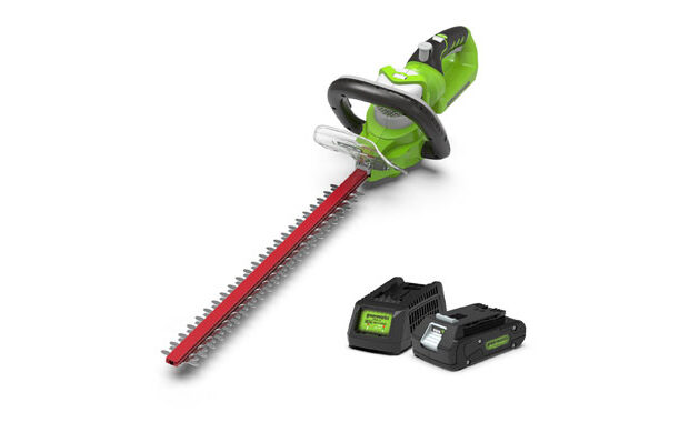 greenworks hedgetrimmer gadget review battery main