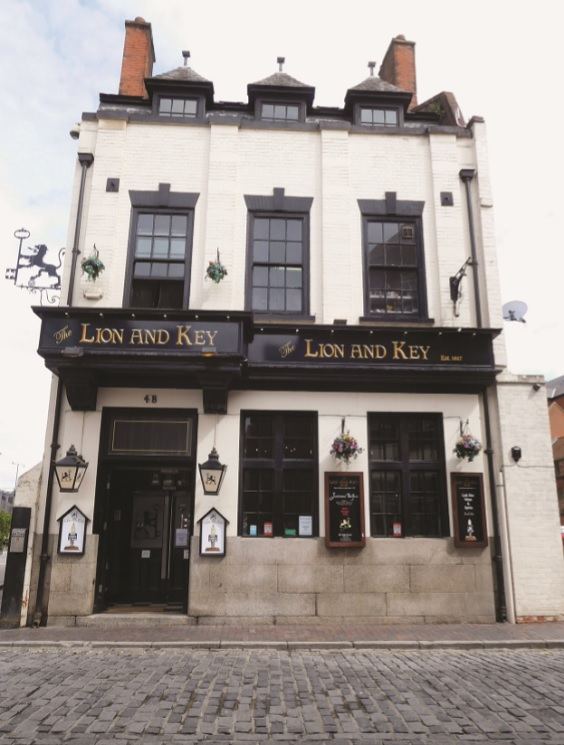 historic hull pubs lion and key