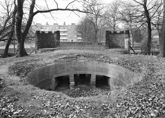 historic leeds The Old Bear Pit, Cardigan Road, Headingley, 1983