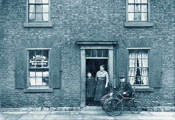 historic tadcaster 23. Wilson's the Cobbler's York Road, 1928