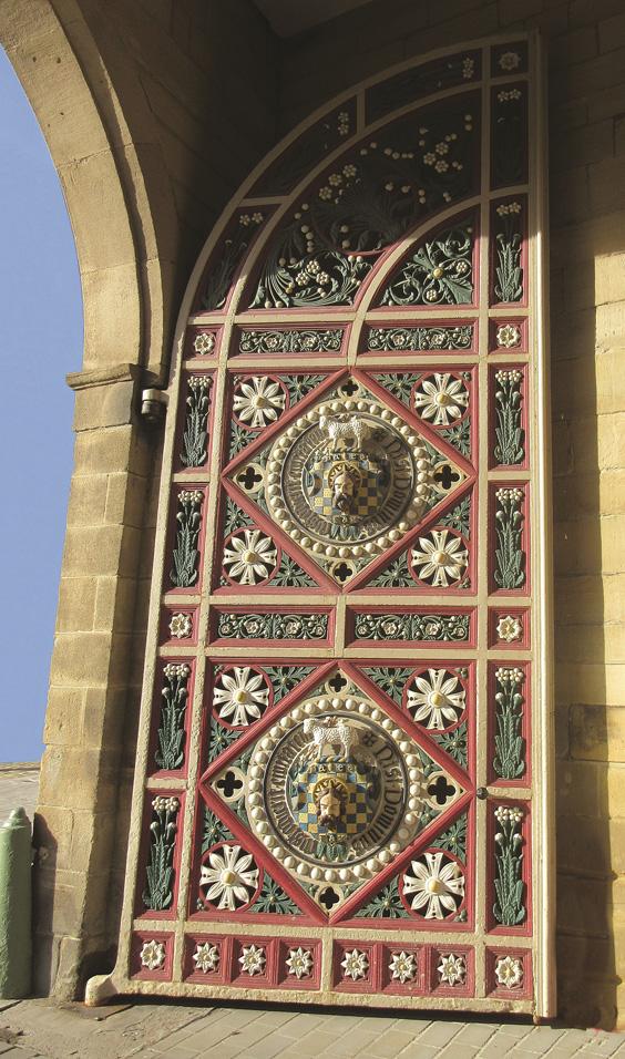 history of the piece hall halifax door