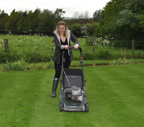 how to correctly mow your lawn gardens